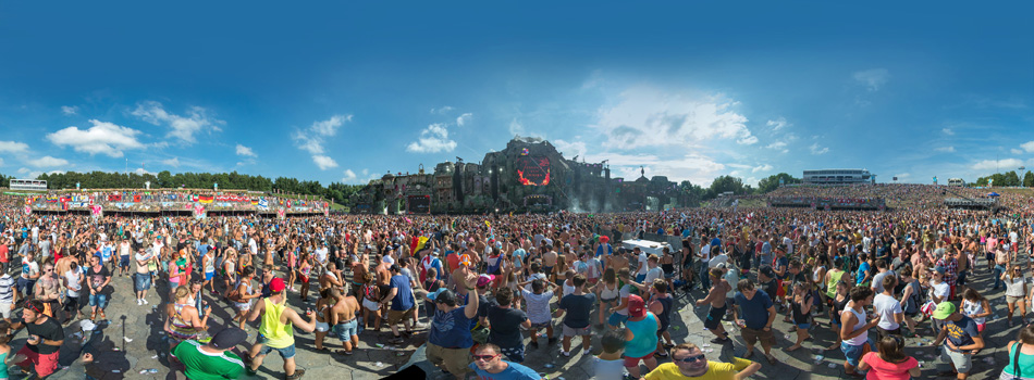 Tomorrowland 360 panorama shots - Bert Buijsrogge ... What A Crowd What A Stage Tomorrowland 2013 In Photos